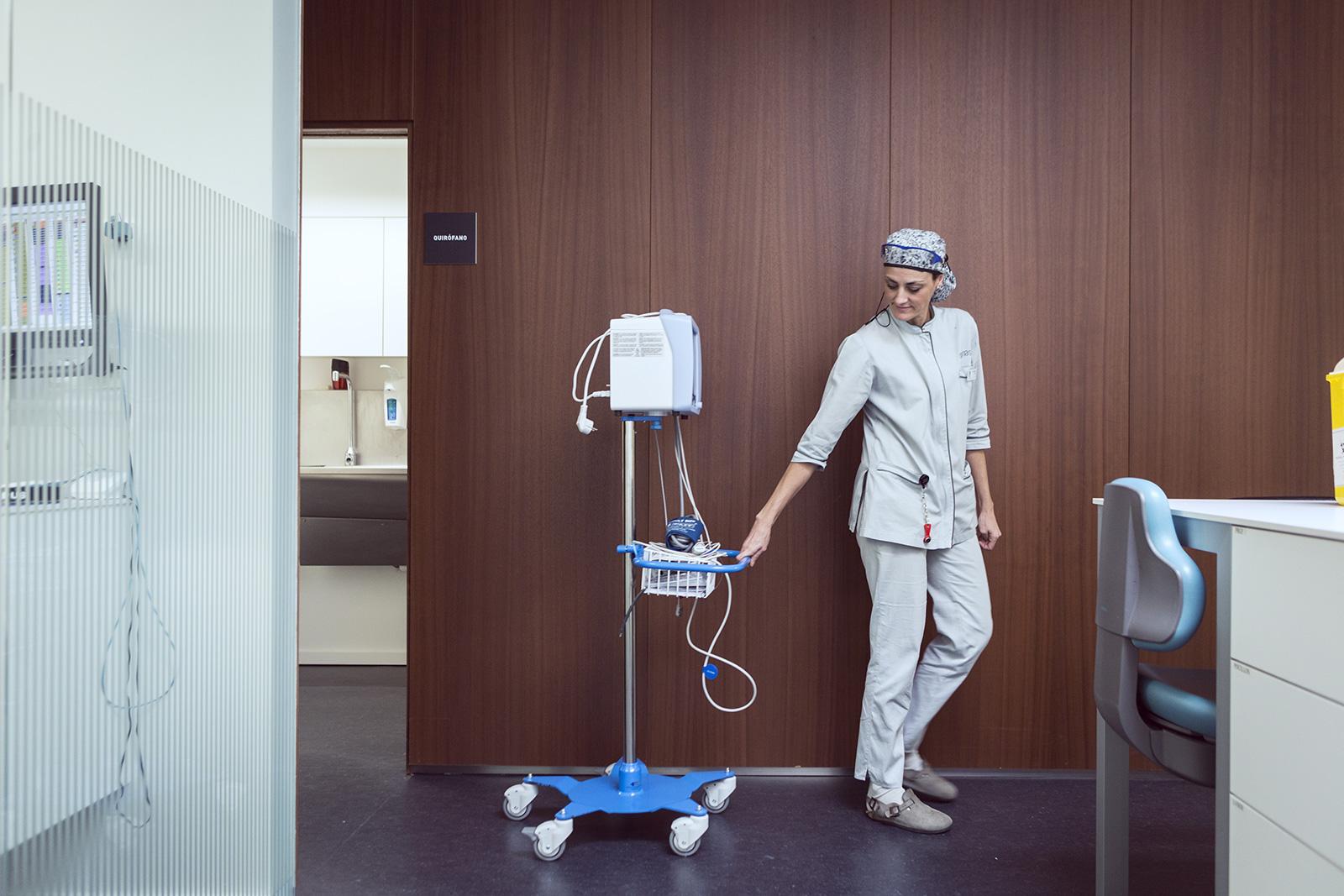 """Estefanía Gutiérrez, paciente de Sannas: """"En tres horas y media pude hacerme todos los tratamientos que tenía programados"""""""