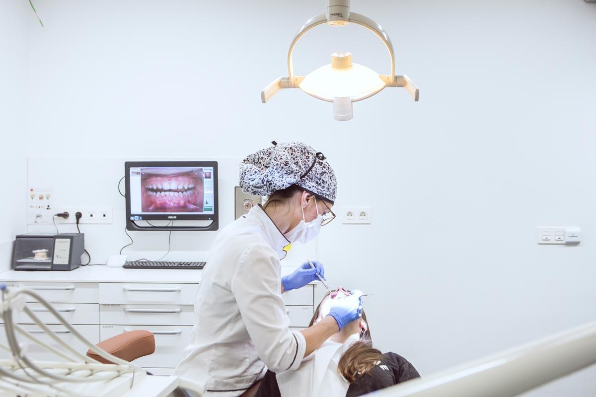 tratamiento de periodoncia en Pamplona